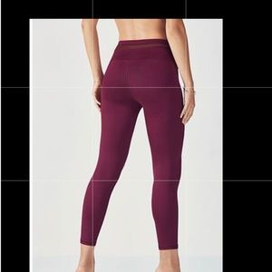 Fabletics High-Waisted Mesh PowerHold® 7/8 size L